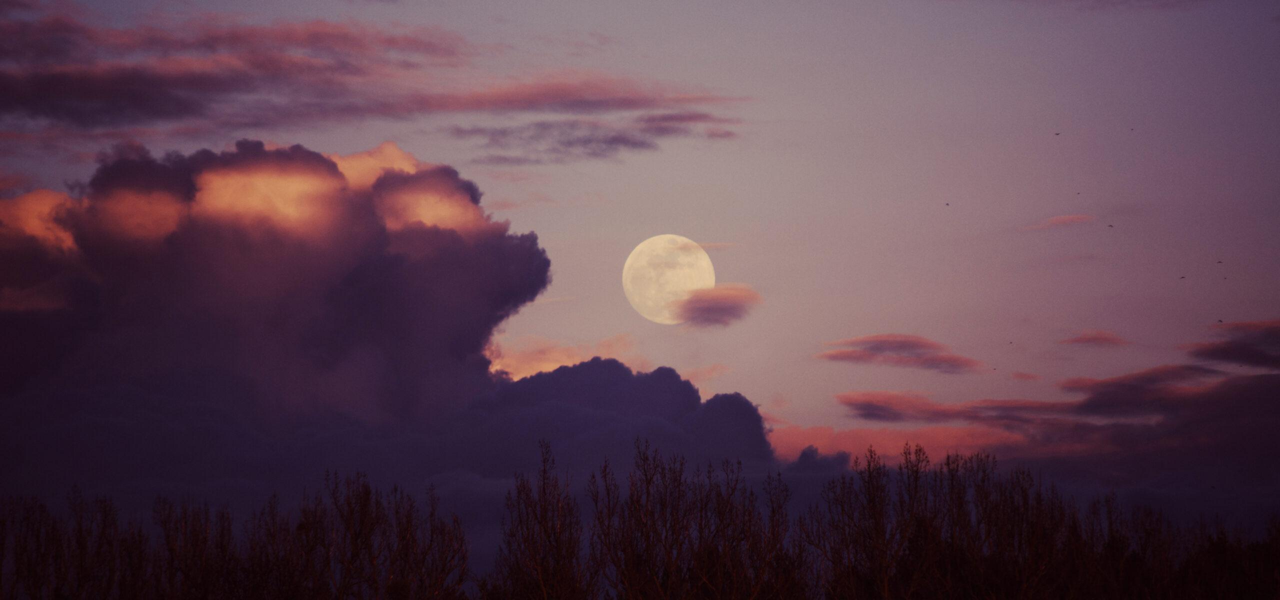 Breathingclass by full moon